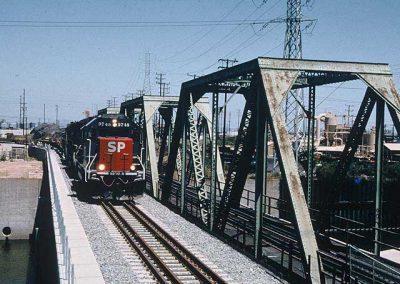 Alameda_Corridor_Los_Angeles_3